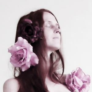Fleur dans cheveux