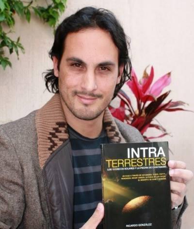 Ricardo with book